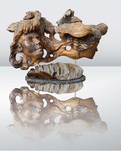 IWS Скульптура из дерева.